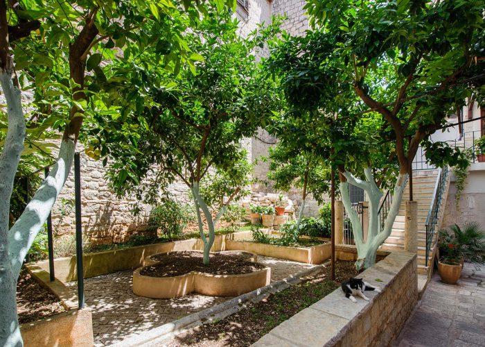 Dvorište samostana